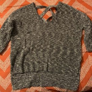Like New High-Low Express short sleeve sweater